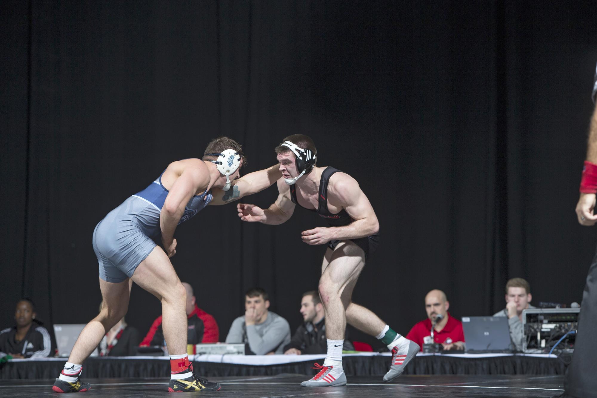 Huskie Wrestling Falls To North Dakota State Illinois Matmen